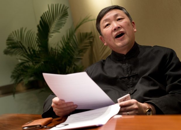 Chinese scholars push for mild political reforms