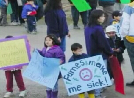 An image taken from the YouTube.com video 'Attawapiskat School Fight.'