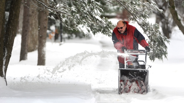 Winter storm hits U.S. Northeast