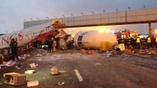 Moscow plane crashes on runway