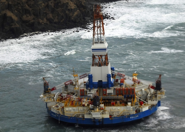 Oil rig grounded in Alaska