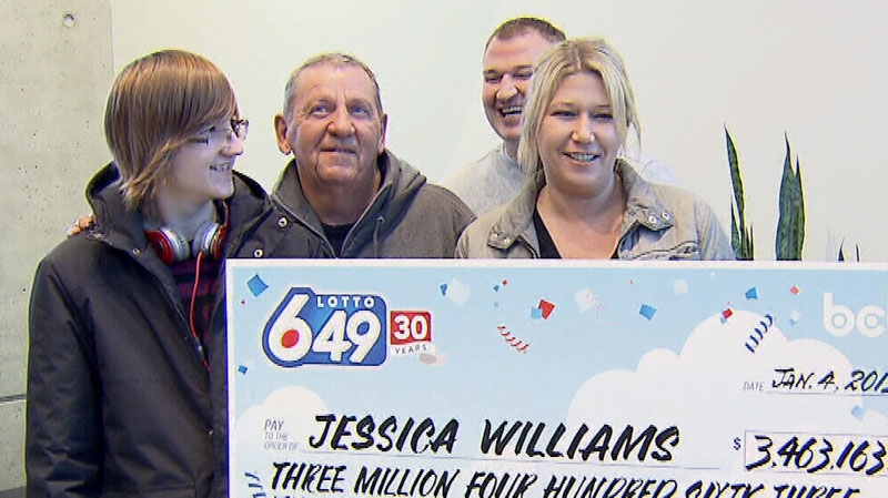 Port Coquitlam resident Jessica Williams, right, poses with her family after winning a $3.46 million Lotto 6/49 jackpot. Jan. 4, 2013. (CTV)