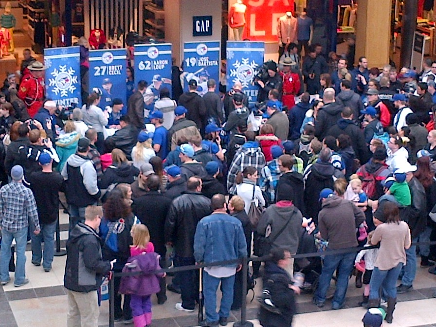 Hundreds of Winnipeggers came out to get autographs from Toronto Blue Jays Jose Bautista, Brett Cecil and Aaron Loup on Sunday.