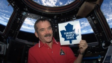 Cmdr. Chris Hadfield tweets support for Maple Leaf