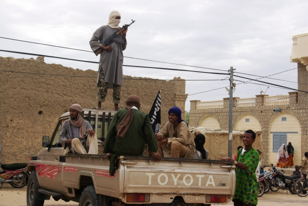 Extremists hold on to central Mali city