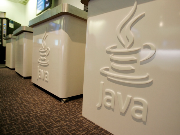 U.S. officials warn of Java security bug