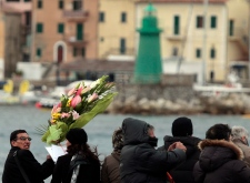 Memorial held for Concordia shipwreck victims