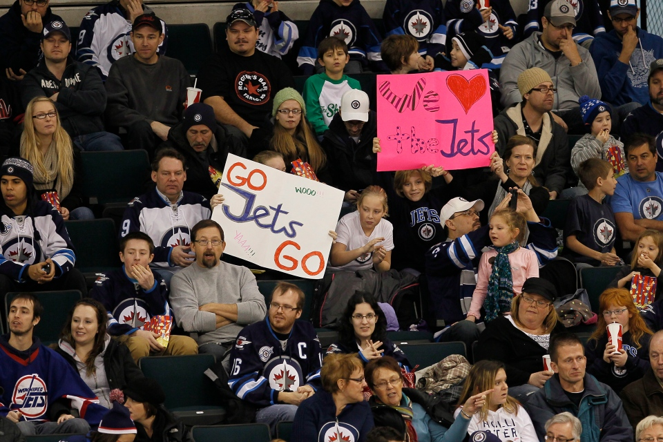 Some 5,000 fans showed up to take in the opening day of Winnipeg Jets training camp in Winnipeg on Sunday, January 13, 2013. (John Woods / THE CANADIAN PRESS)
