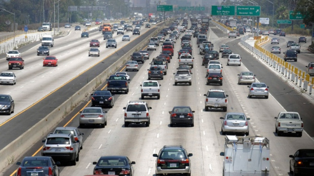 Traffic stacks up on the eastbound Santa Monica Freeway in Los Angeles Thursday July 3, 2008, as residents of Southern California leave work to start their holiday weekend. (AP / Kevork Djansezian)