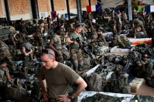 France to triple troops in Mali to around 2,500
