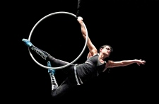Cirque du Soleil lays off 400