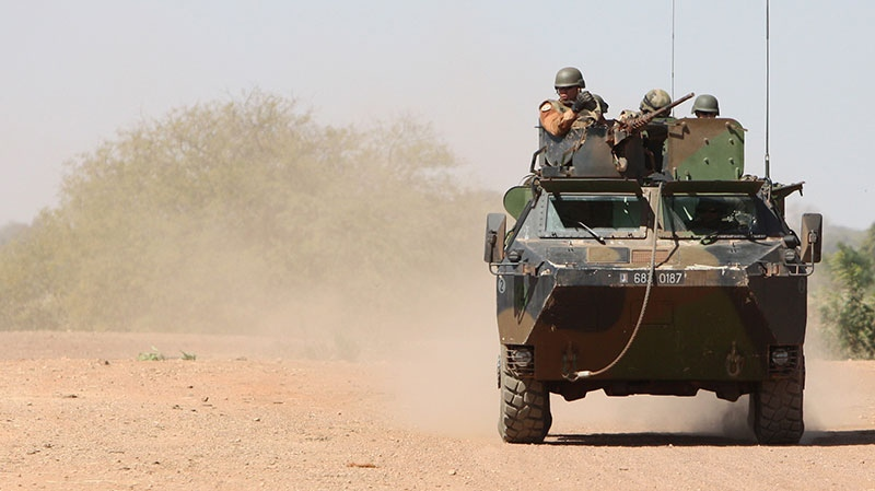 French soldiers conduct operations in the bush near Niono, in central Mali, Thursday, Jan. 17, 2013. (AP / Harouna Traore)