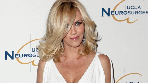 Jenny McCarthy arrives at the UCLA Department of Neurosurgery 2009 Visionary Ball in Beverly Hills, Calif., Thursday, Oct. 1, 2009. (AP / Matt Sayles)