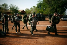 Aid groups warn of danger to civilians in Mali