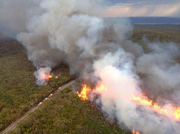 Deadly wildfires burn in Australia