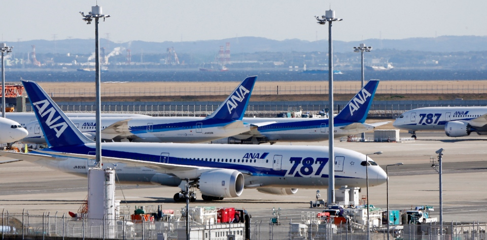 "All Nippon Airways' Boeing 787 ""the Dreamliner"" passenger jets park on the tarmac at Haneda airport in Tokyo, Friday, Jan. 18, 2013. (AP / Koji Sasahara)"