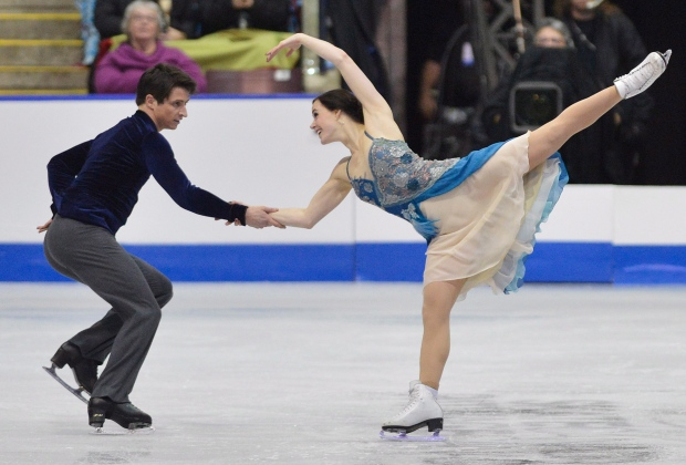 Tessa Vitue and Scott Moir perform short dance