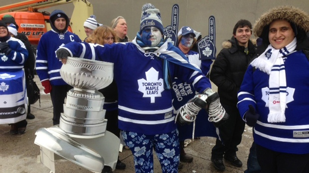 Toronto Maple Leafs fans show their pride at Nathan Phillips Square on Monday, Jan. 21, 2013. (Cam Woolley/CP24)