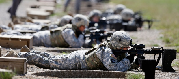 U.S. removes military ban women serving in combat