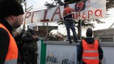 Athens police subway strike