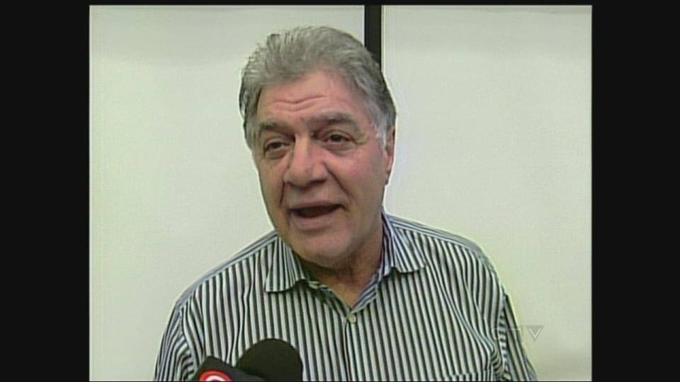 London Mayor Joe Fontana discusses the budget progress at city hall in London, Ont. on Friday, Jan. 25, 2013.