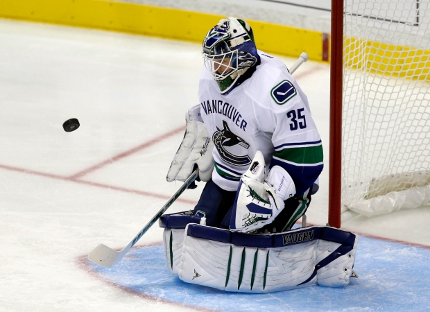 Vancouver Canucks beat Anaheim Ducks 5-0