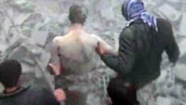 Syrian troops clash with rebels