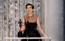 Anne Hathaway wins Screen Actors Guild award