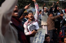Death penalty demanded for Indian rape suspects