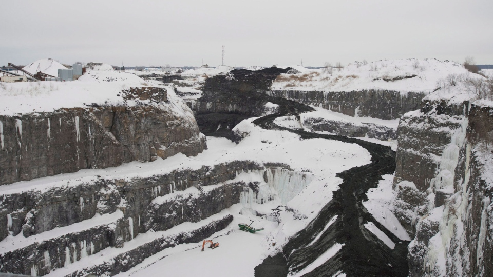 An overall view of the quarry at L'Epiphanie, Que. on Tuesday, January 29, 2013. (Graham Hughes / THE CANADIAN PRESS)