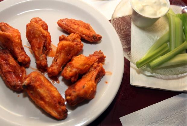 Super Bowl snacks healthy tasty wings