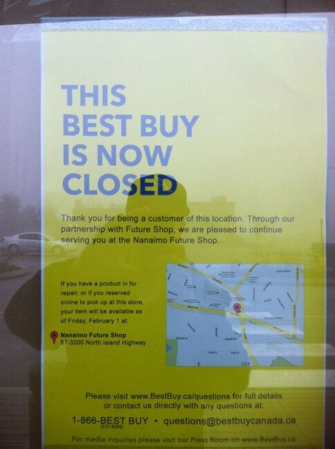 A store closed sign is posted outside a Best Buy store in Nanaimo, B.C.,on Thursday, Jan. 31. 2013. (Ian Holmes / Twitter)