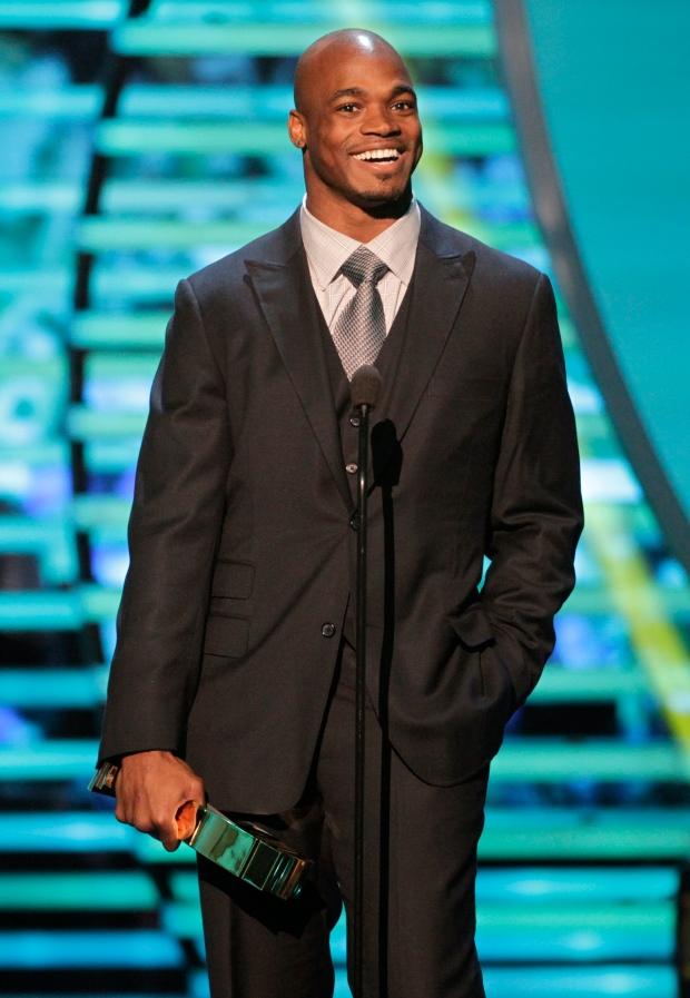 Adrian Peterson wins MVP in AP NFL awards