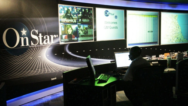 The General Motors OnStar command centre is shown in Detroit on Feb. 6, 2006. (AP / Carlos Osorio)