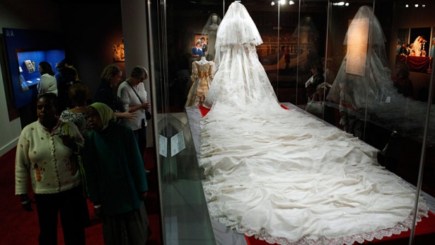 Sneak peek of Princess Dianas wedding dress ahead of