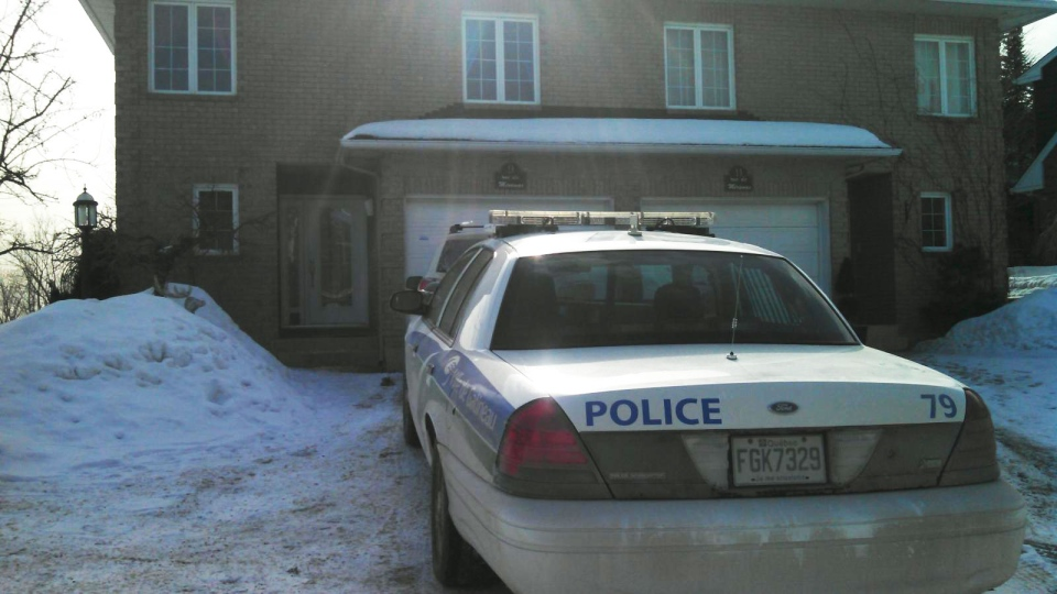 A police car is parked outside Senator Patrick Brazeau's home in Gatineau, Que., Thursday, Feb. 7, 2013. (Daniele Hamamdjian / CTV News)