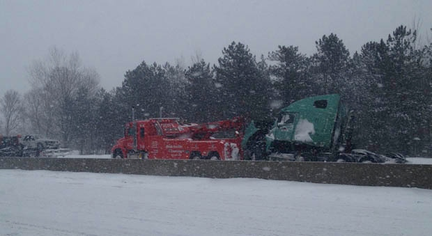 Highway 401 crash claims life of Ottawa man