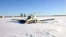 Plane makes emergency landing Ottawa