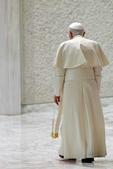 Pope address final speaks resigns