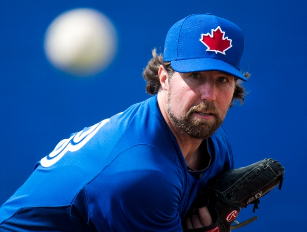 Dickey leaves Jays bewildered in Florida