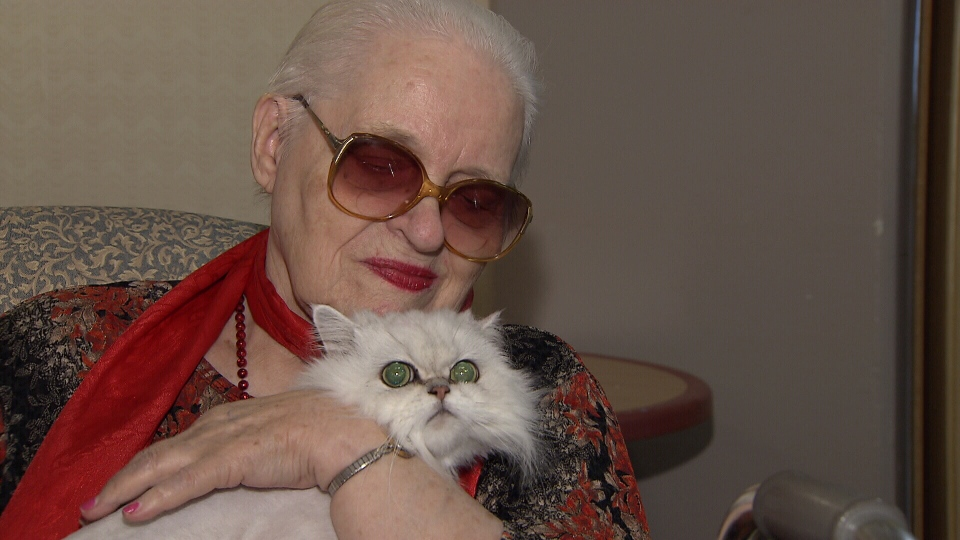 Phyllis Anderson says she will join other residents of the Burquitlam Lions Care Centre in fighting a ban on live-in cats like Smokey. (CTV)