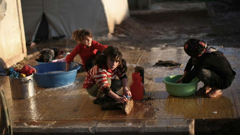 UN envoy on Syria backs call for dialogue