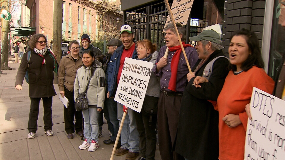 Protesters picket outside of Pidgin, a new upscale restaurant they say is helping gentrify Vancouver's Downtown Eastside. (CTV)