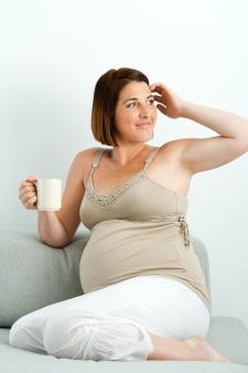 Higher caffeine intake may prolong pregnancy