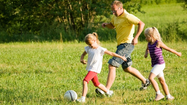 Playing sports strengthens dad-daughter bond