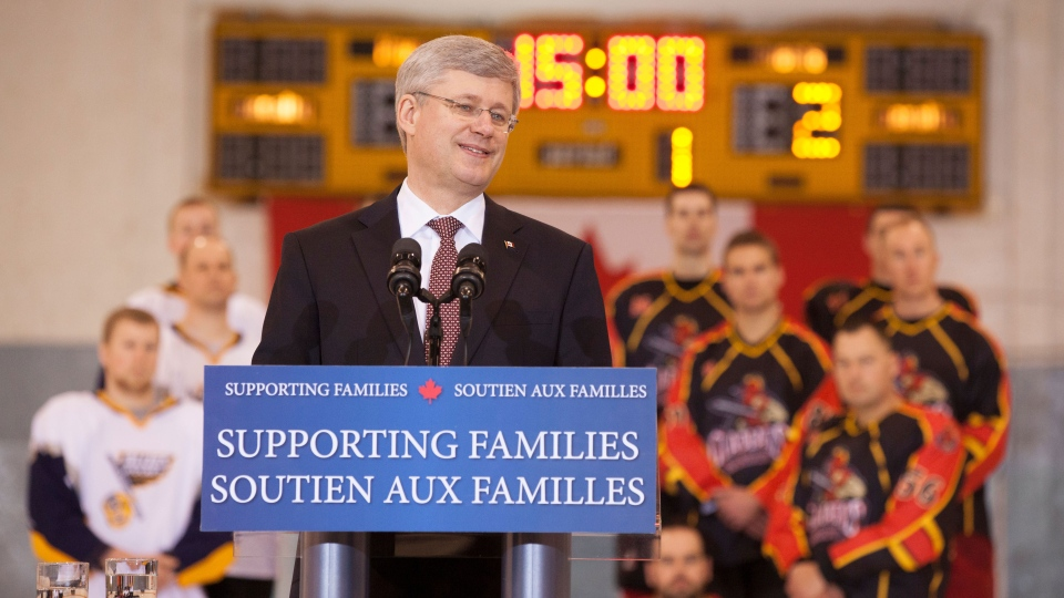 Prime Minister Stephen Harper announces support to put in place Automated External Defibrillators (AEDs) and related training in community hockey arenas across the country on Thursday, Feb. 21, 2013. (PMO / Jason Ransom)