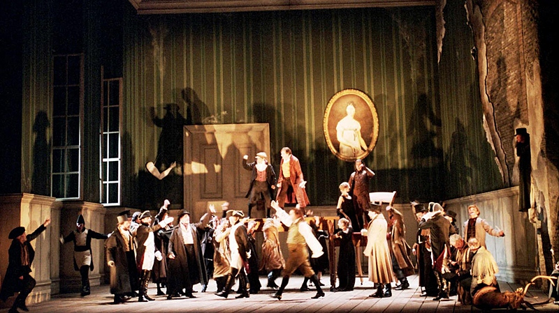 A scene from the Vlaamse Opera production, 2000. (Kurt Van der Elst / Canadian Opera Company)