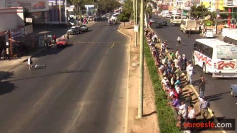 The scene of a gangland shooting in Mazatlan, Mexico. Jan. 17, 2011. (noroeste.com)