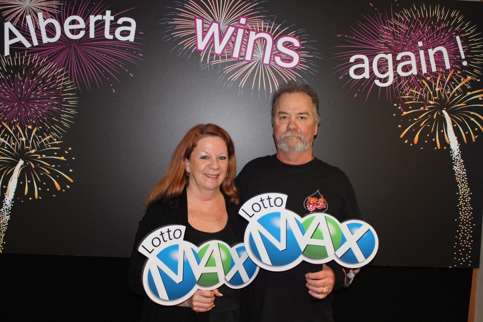 Darrell and Laurie Szczerba of Calgary won the $30 million prize for the February 15, 2013 LOTTO MAX draw. (THE CANADIAN PRESS)