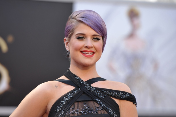 95_Oscar_Red_Carpet_ Kelly Osbourne.jpg